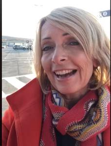 Hanne Kristin Rohde forteller om sin opplevelse på Evenes Lufthavn på Facebook. En pappa, og en helt. En av disse to var meg.