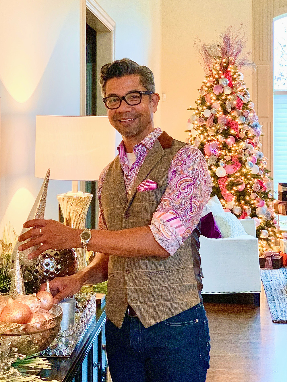 Christmas tree decorating in pink