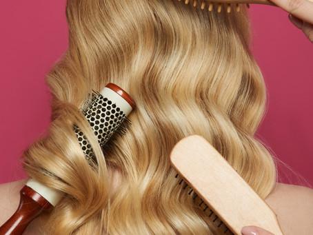 Ist Haarstyling ein Muss für Make-up Artisten?