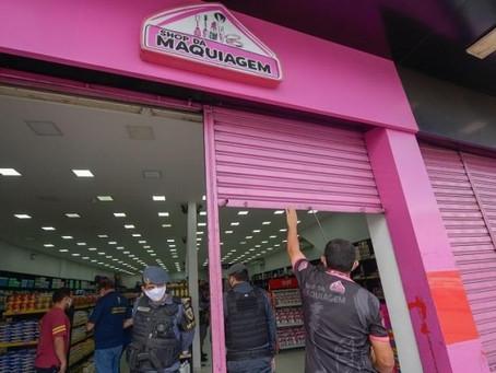 Funcionários denunciam o funcionamento da própria loja onde trabalham