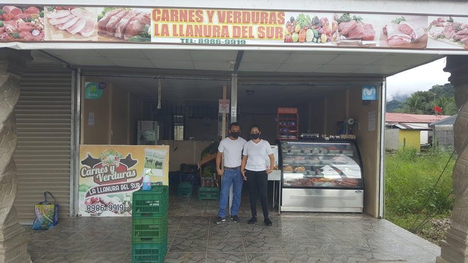 Butcher / produce shop in Piedras Blancas