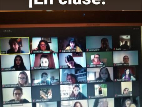 ¡ESTAMOS EN CLASES! Colegas, alumnado, docentes, todos creando nuevas formas de comunicarnos.