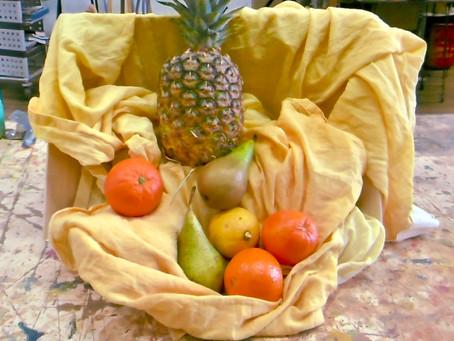 Dessin nature morte à l'ananas ( pastel )