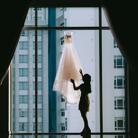 Tick Tock! The Wedding Dress Clock