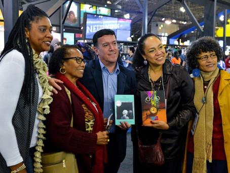 """Confira como foi o lançamento do livro """"Construtoras do Bem"""" na Bienal do Livro em São Paulo 2018"""