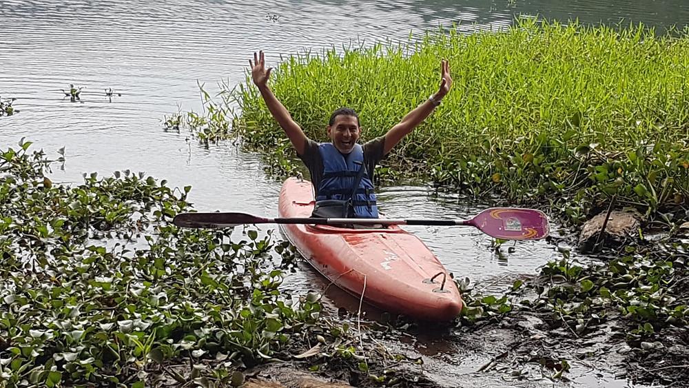 Kayakiste sur lac