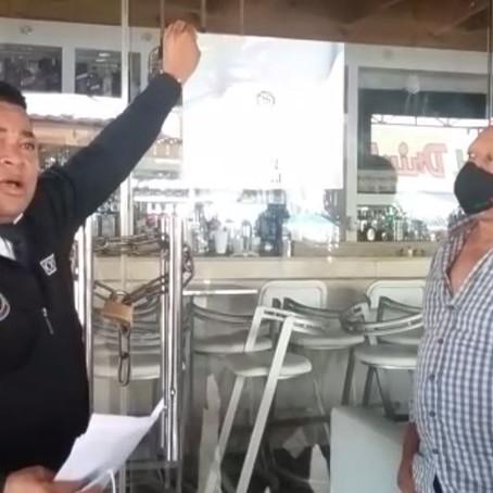 Autorizan reapertura de negocios cerrados por violar toque de queda