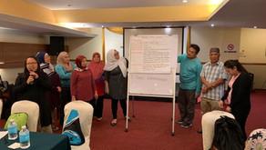 マレーシア 高齢者のリハビリ&介助方法研修2