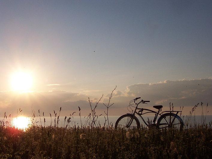 sunset-bike-1367209.jpg