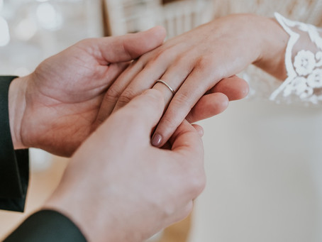 Stress Free Wedding Planning Tips for Busy Couples