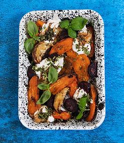 Šakninių daržovių šiltos salotos