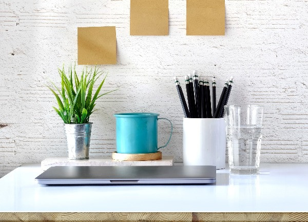 organised, organized desk, tidy up your work space, increase productivity, protonike
