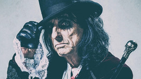 "Alice Cooper Releases Card Game ""HorrorBox"" To Haunt This Holiday Season"