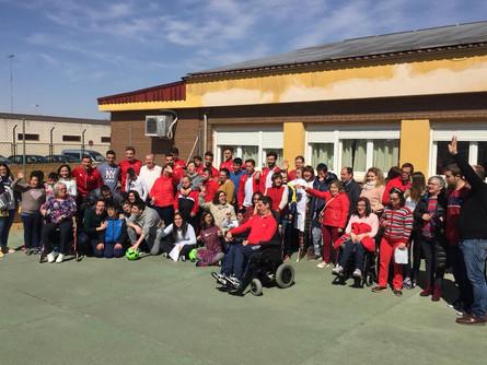 Los jugadores del CP Villarrobledo visitan la Fundación Madre Amparo y el CEE Infanta Elena