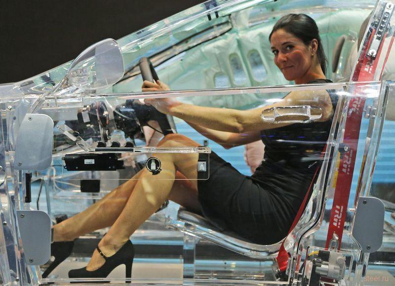 Автомобиль с полностью прозрачным корпусом из органического стекла | Rock Auto Club
