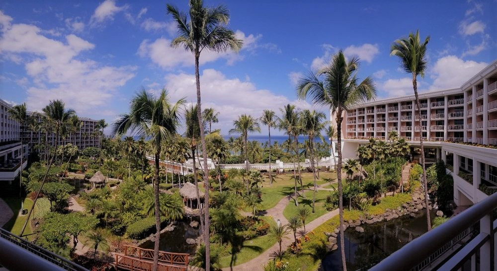 broad angle view of the grounds at Hawaii's Grand Wailea Resort