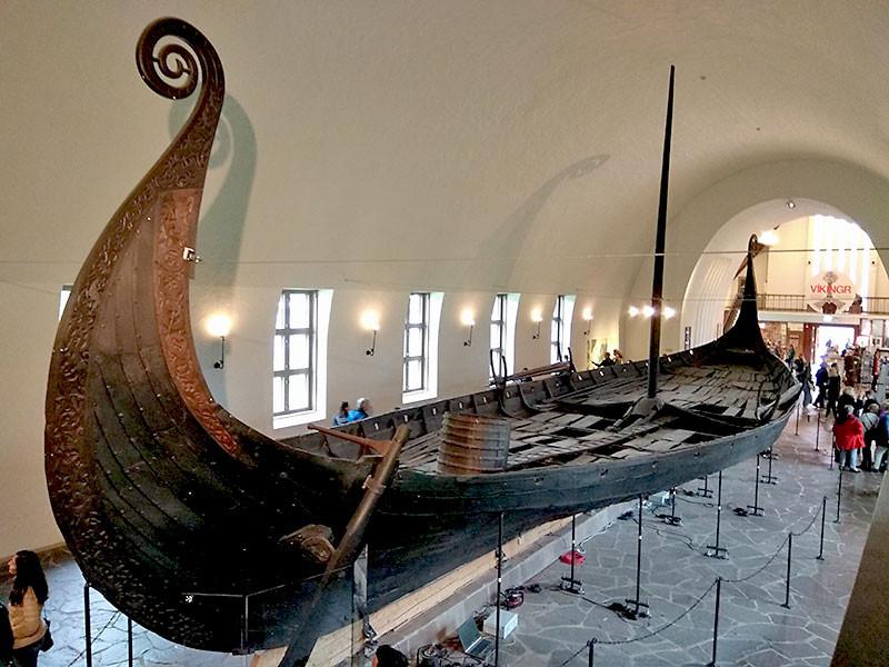 Осебергская ладья в музее кораблей в Осло