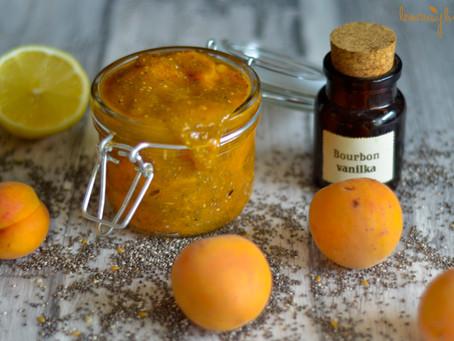 Domácí meruňková, chia marmeláda