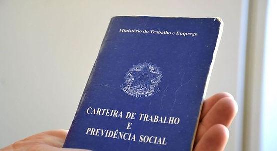 Brasil abre 131 mil vagas de trabalho com carteira em julho