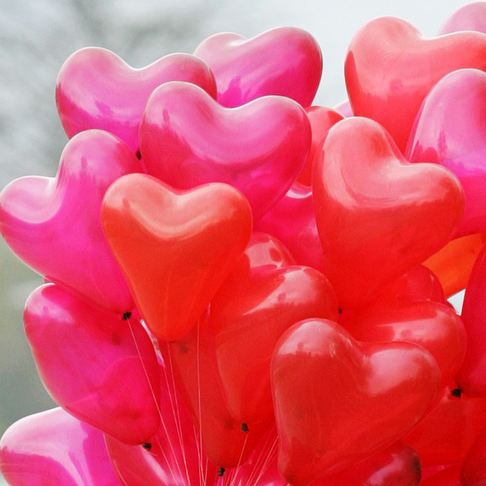 14 Random Acts of Kindness Challenge for Valentine's Day