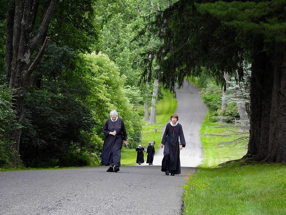 Episcopal Nuns