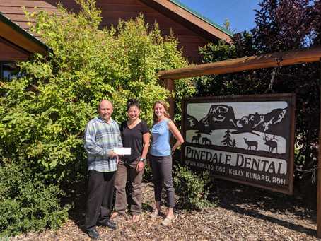 PINEDALE DENTAL SUPPORTS WITH SMILES FOR LIFE DONATION