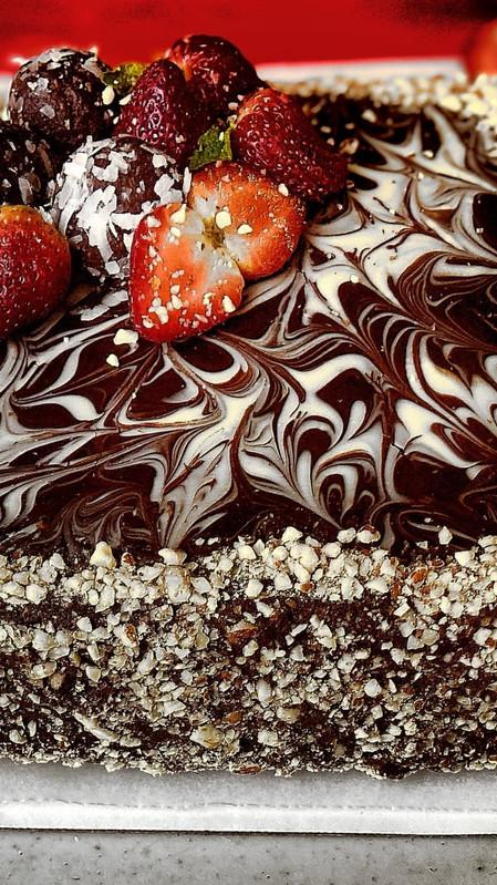 Torta de chocolate cruda y vegana