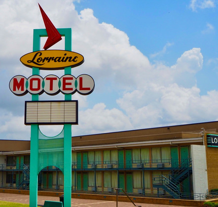 A Historic Sightseeing Tour of Memphis