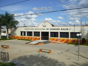 Campo de futebol em Cândido Sales terá nova iluminação