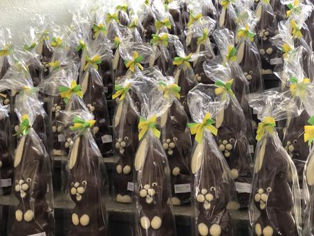 150 Osterhasen warten auf ihre Schleckmäuler