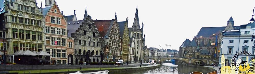 Río Lys con el Puente de San Miguel al fondo. Gante (Bélgica)