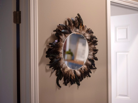 How to Create a Feather Mirror for Your Home in 4 Easy Steps