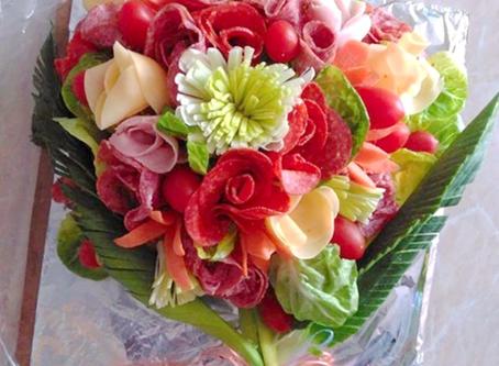 Am 10. Mai ist Muttertag: Aufschnitt-Blumenstrauß verschenken