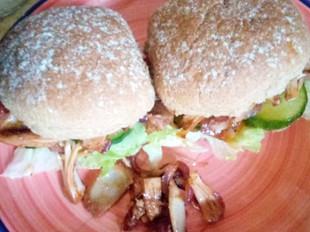 Quick & Easy Festive Jackfruit Burgers