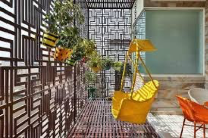 Do you know a remarkable and excellent privacy screen always raises the stature of the balcony of your apartment? Add a privacy screen that not only helps you have a private time with your spouse but also enjoy the patterns created in sunny afternoons.
