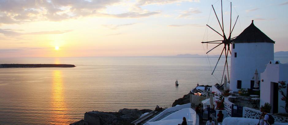 A importância de manter vivo o sonho de viajar para Santorini