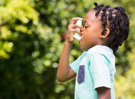 ¿Cómo la Quiropráctica puede ayudar a niños y adultos con asma? 🤔