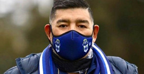 """""""No existe un jugador que pueda realizar la mitad de lo que hacen Messi y Ronaldo"""", afirmó Maradona"""