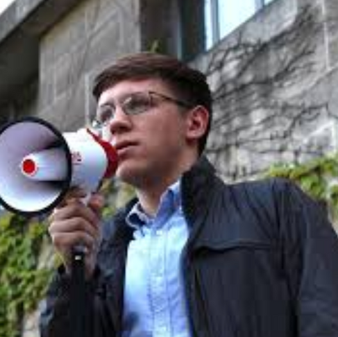 University of Chicago Student Body President Fights Possible Expulsion, Wins