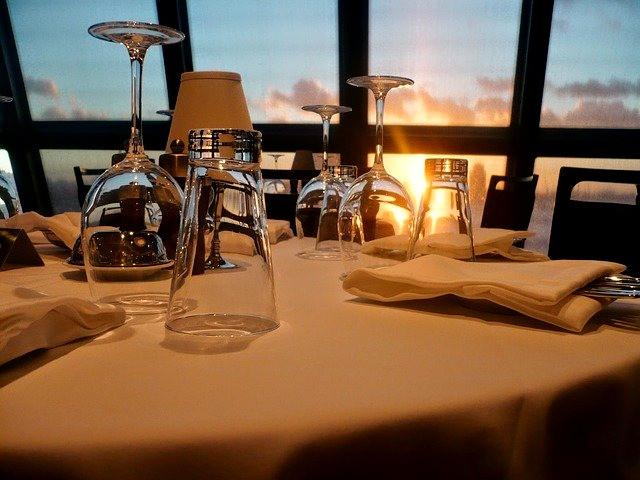 Restaurante a bordo de un crucero. Normalmente, el menú es siempre muy variado