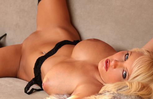 Hanna Hilton Blonde Babe Nude