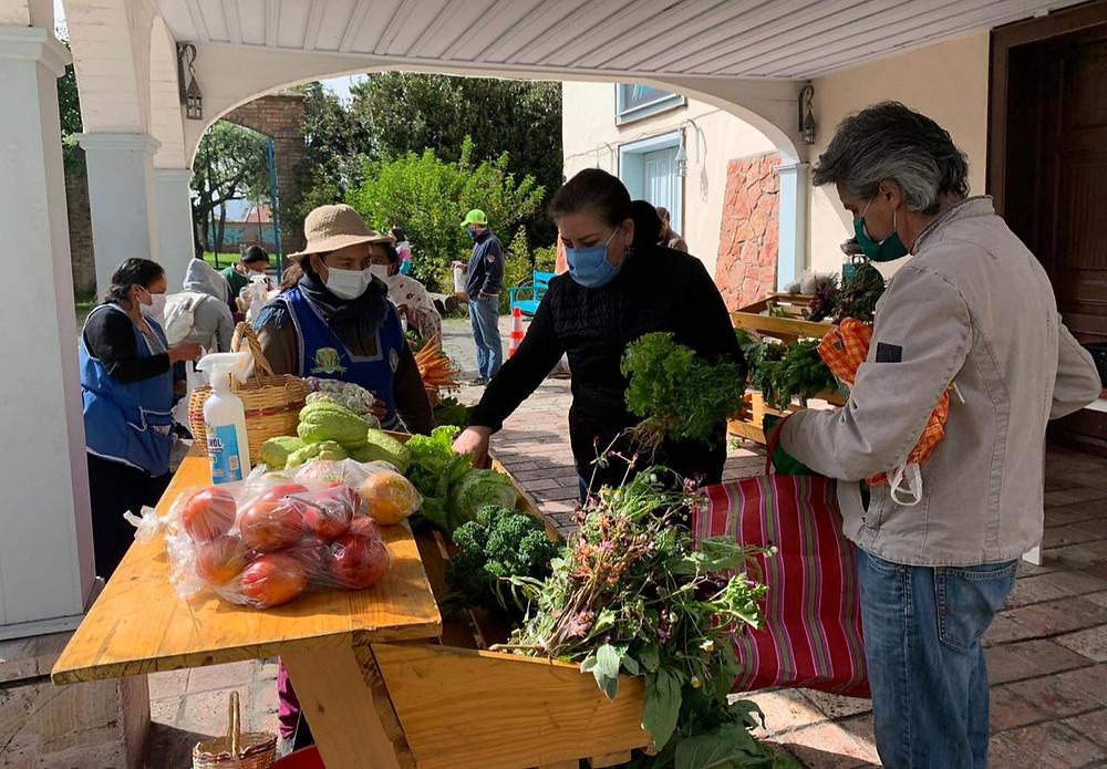 Familias cuencanas consumieron los productos frescos y buen precio