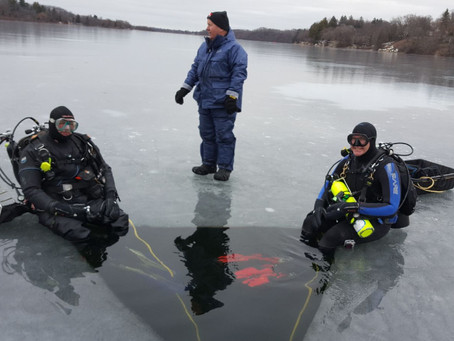 1/13/2019 - Ice Diving on Lake Beulah
