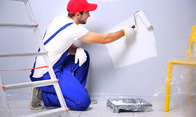 sơn nhà vào mùa mưa