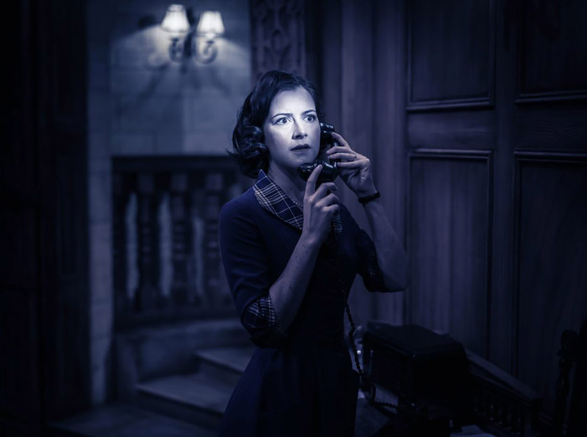 Harriett-Hare-in-The-Mousetrap.-Photo-by-Johan-Persson