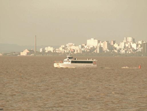 Catamarã amplia horários na semana e retorna aos sábados