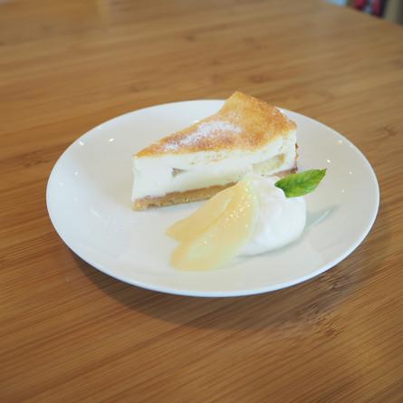 白桃のベイクドチーズケーキ