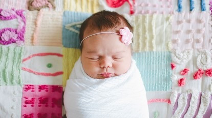 Swaddling Babies and How To Wean Your Babies Off It
