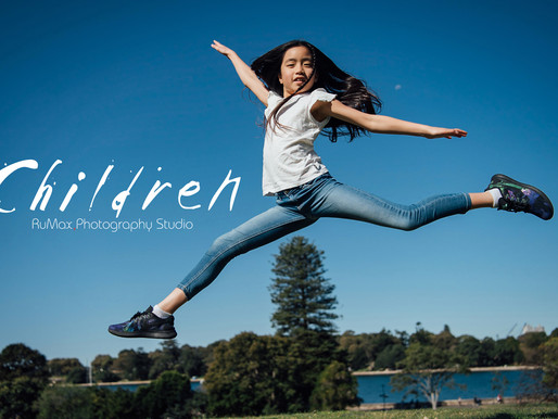 雪梨。飛躍的女孩