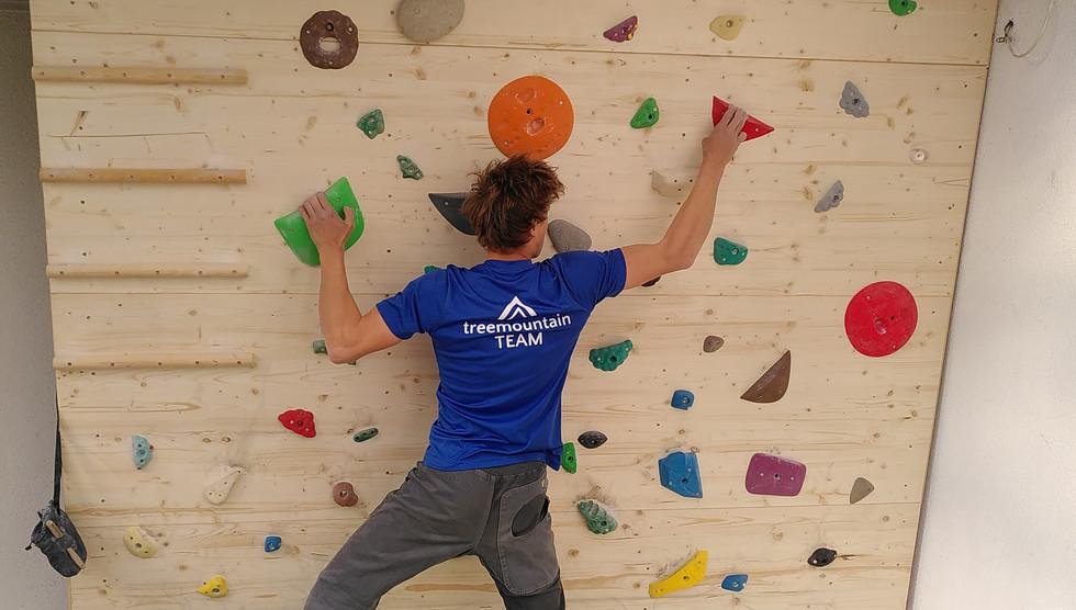 Hometraining an der eigenen Boulderwand